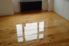 Light-Sanding-Wood-Floor-and-Re-varnish-112901