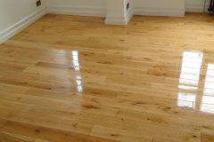 Light-Sanding-Wood-Floor-and-Re-varnish-112905