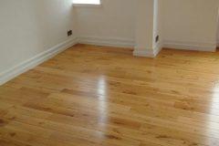 Light-Sanding-Wood-Floor-and-Re-varnish-123501