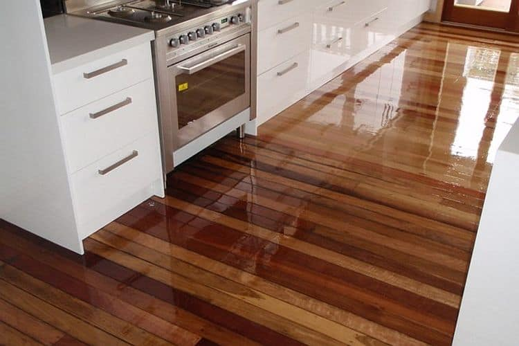 Why is floor oiling the best choice for wooden floors?