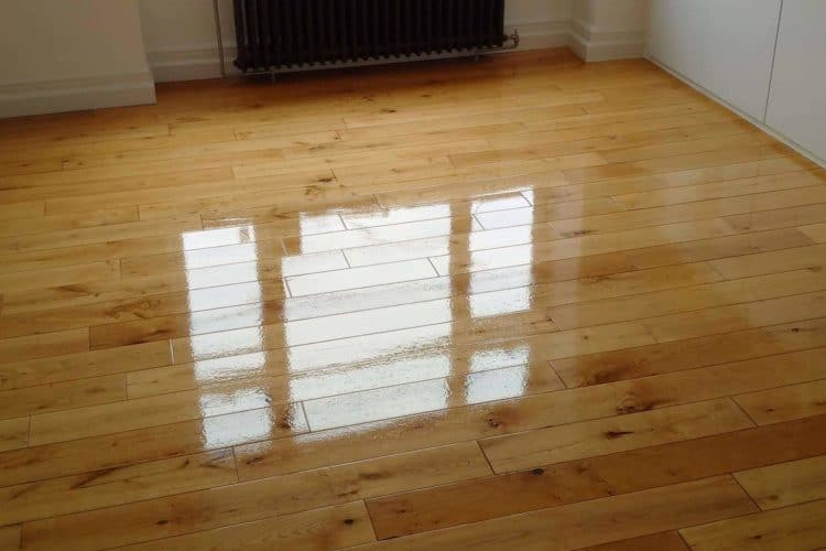 Cool floor polishing approach for wooden floor owners!